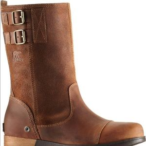 Sorel pull on boots.
